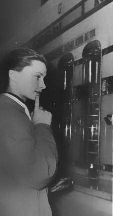 Советские торговые автоматы: автоматы тунеядцы и труженики
